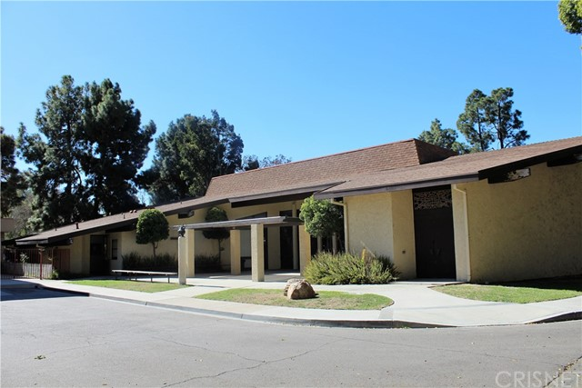 Casa Unifamiliar por un Venta en 18422 Bloomfield Avenue Cerritos, California 90703 Estados Unidos
