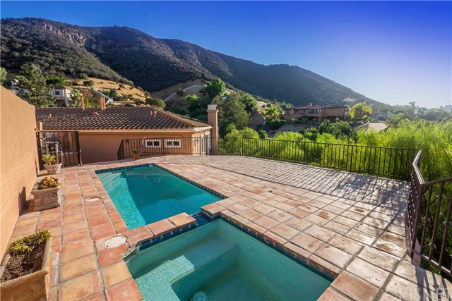 28 Flintlock Lane  Bell Canyon CA 91307