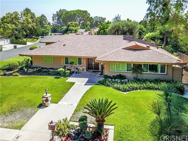 Single Family Home for Sale at 19442 Superior Street 19442 Superior Street Northridge, California 91324 United States