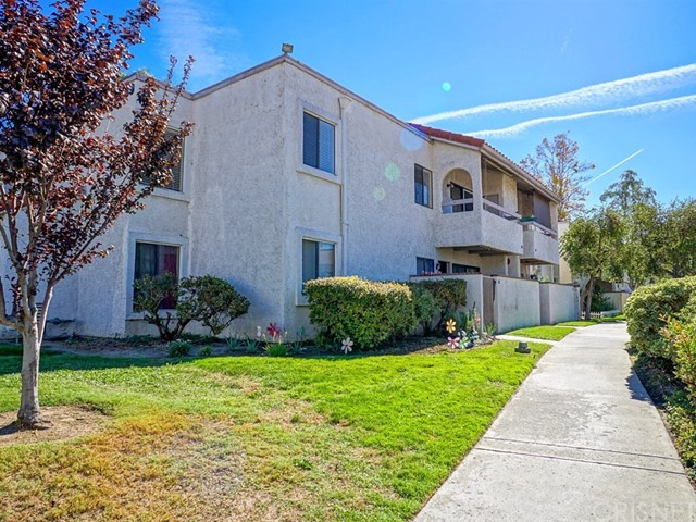 25039 Peachland Avenue Unit 108, Newhall CA 91321