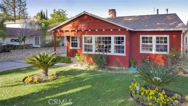 22025 De La Osa Street, Woodland Hills CA: http://media.crmls.org/mediascn/ad112299-5f0e-47bb-b53a-16e8ae60ce27.jpg