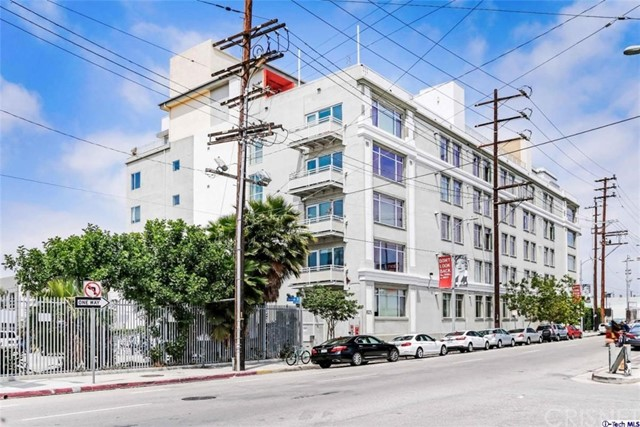 Lofts for Rent at 825 4th Street Unit 308 825 E 4th Street Los Angeles, California 90013 United States
