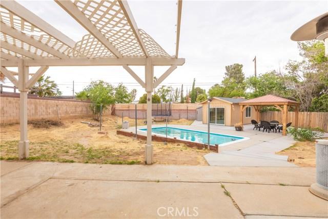 38913 Sage Tree Street, Palmdale CA: http://media.crmls.org/mediascn/ada7830a-c922-471d-a252-d7c824966ad2.jpg
