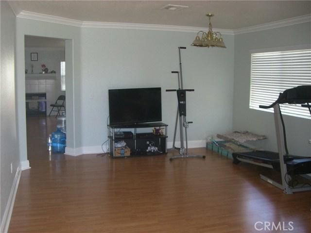 3609 Cobb Road, Lancaster CA: http://media.crmls.org/mediascn/adb85ab5-7060-437b-8a34-c43a69d05f1e.jpg