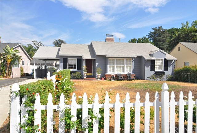 Single Family Home for Rent at 5530 Carpenter Avenue Valley Village, California 91607 United States