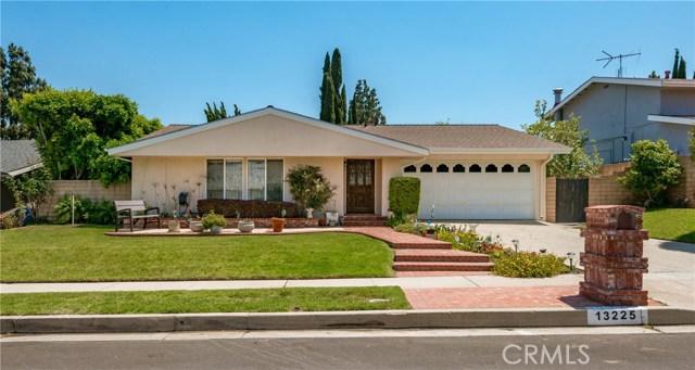 13225 Whistler Avenue, Granada Hills CA: http://media.crmls.org/mediascn/ae1d473b-113d-4831-97ca-6e4979967e02.jpg