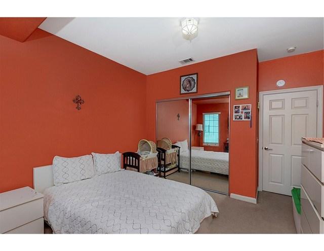 15735 Wyandotte Street, Van Nuys CA: http://media.crmls.org/mediascn/ae330493-570e-4836-b405-567952d6085f.jpg