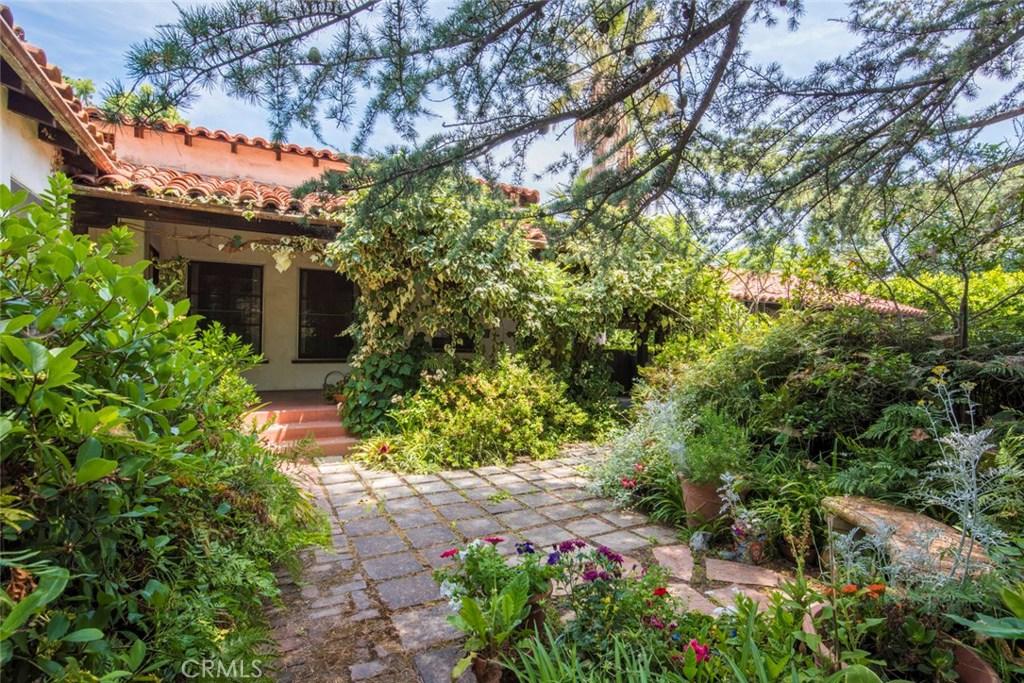 Photo of 17319 MAGNOLIA BOULEVARD, Encino, CA 91316
