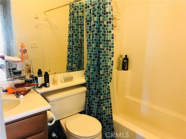 37300 Mimosa Way, Palmdale CA: http://media.crmls.org/mediascn/ae6d1c1b-a8fa-473f-9891-de6f337d12b2.jpg