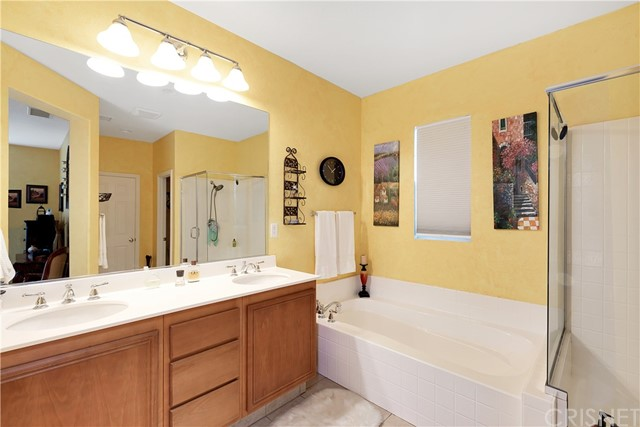 440 Arborwood Street, Fillmore CA: http://media.crmls.org/mediascn/ae81fb2b-7dba-487e-97b7-625f8d8c0456.jpg
