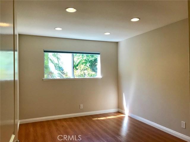 2778 Drummond Place, Thousand Oaks CA: http://media.crmls.org/mediascn/ae9ddc0e-dc35-441b-a4c9-7bfe78daa0b9.jpg