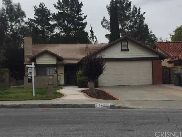 Property for sale at 25406 Manchester Way, Saugus,  CA 91350