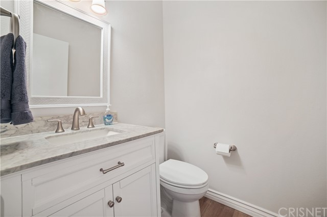 74 Maegan Place, Thousand Oaks CA: http://media.crmls.org/mediascn/af0320cb-62ea-418a-93e1-e735cc264553.jpg