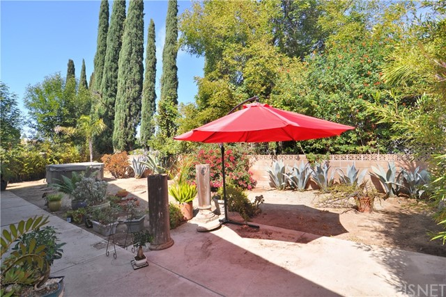 703 San Doval Place, Thousand Oaks CA: http://media.crmls.org/mediascn/af079128-f16e-47fd-bdb9-aa214da83f17.jpg