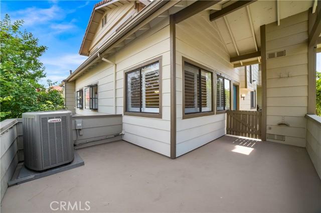 74 Maegan Place, Thousand Oaks CA: http://media.crmls.org/mediascn/af24a283-4a79-4cb3-be86-3d53912f3c5a.jpg
