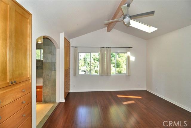 703 San Doval Place, Thousand Oaks CA: http://media.crmls.org/mediascn/af27dd31-e618-414c-a1ae-46745065bdc3.jpg