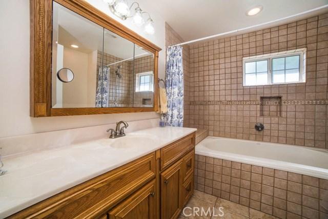 8802 Valjean Avenue North Hills, CA 91343 - MLS #: SR17233176