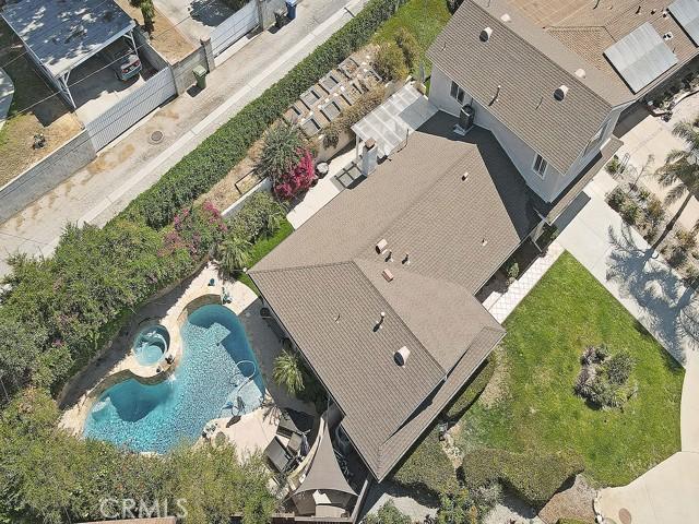10215 Casaba Avenue, Chatsworth CA: http://media.crmls.org/mediascn/af8bf87d-c648-4c3e-9cb5-40e6d56ab9c6.jpg