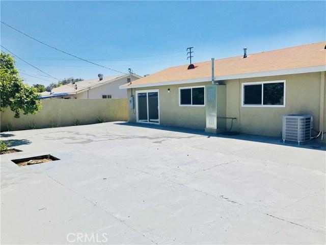 1009 S Arapaho Drive, Santa Ana CA: http://media.crmls.org/mediascn/afe96ba7-a757-40e3-a9d0-446a3139fab0.jpg