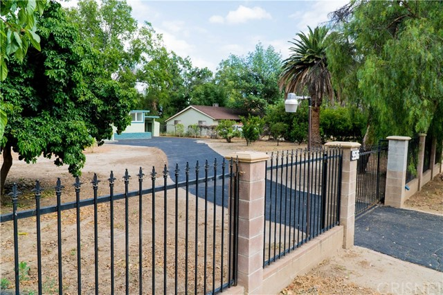 9516 Langdon Avenue North Hills, CA 91343 - MLS #: SR17111410