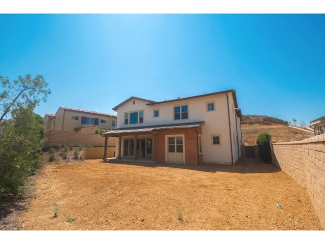 Additional photo for property listing at 122  Mayflower Street 122  Mayflower Street Thousand Oaks, California 91360 United States
