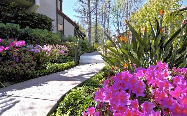 21901 Burbank Boulevard # 192 Woodland Hills, CA 91367 - MLS #: SR17180792