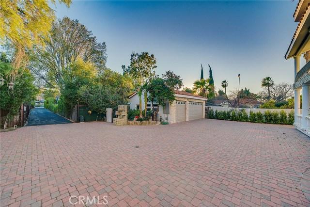 23135 Dolorosa Street, Woodland Hills CA: http://media.crmls.org/mediascn/b04923ca-3074-406c-af53-36bb81a650a3.jpg