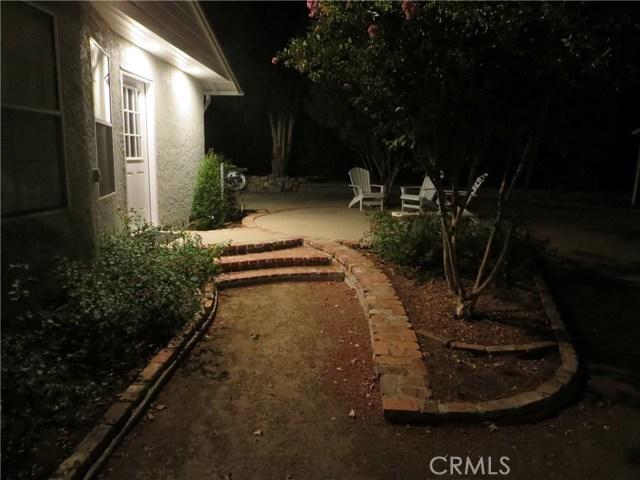 10836 Chimineas Avenue, Porter Ranch CA: http://media.crmls.org/mediascn/b0689f11-5e60-45a6-9388-28f9940a344d.jpg