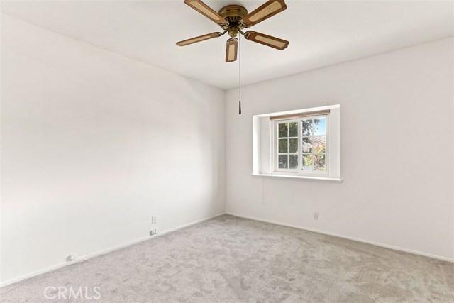 23600 Blythe Street, West Hills CA: http://media.crmls.org/mediascn/b08821af-b31e-4ed3-b616-16009c853f6c.jpg