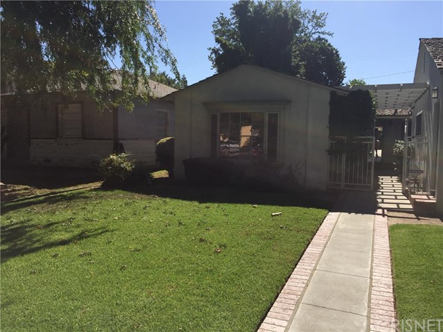 Property for sale at 3823 Pine Avenue, Long Beach,  CA 90807