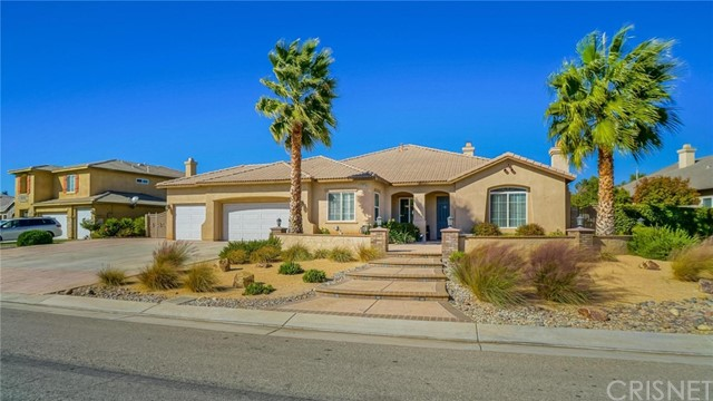 Casa Unifamiliar por un Venta en 41875 Montallegro Street Lancaster, California 93536 Estados Unidos