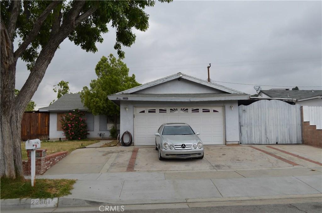 Property for sale at 22361 Los Tigres Drive, Saugus,  CA 91350