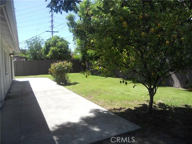 6809 Sale Avenue, West Hills CA: http://media.crmls.org/mediascn/b0e2dbb1-3113-4303-ac3f-1cca90ce37b2.jpg