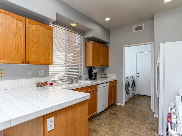 27721 Morning Glory Place Castaic, CA 91384 - MLS #: SR18171910