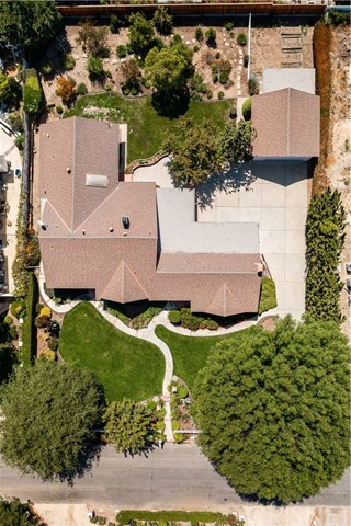 1408 Strawberry Hill Road, Thousand Oaks CA: http://media.crmls.org/mediascn/b10dd18a-319e-4483-b7bf-e68fee70a25f.jpg