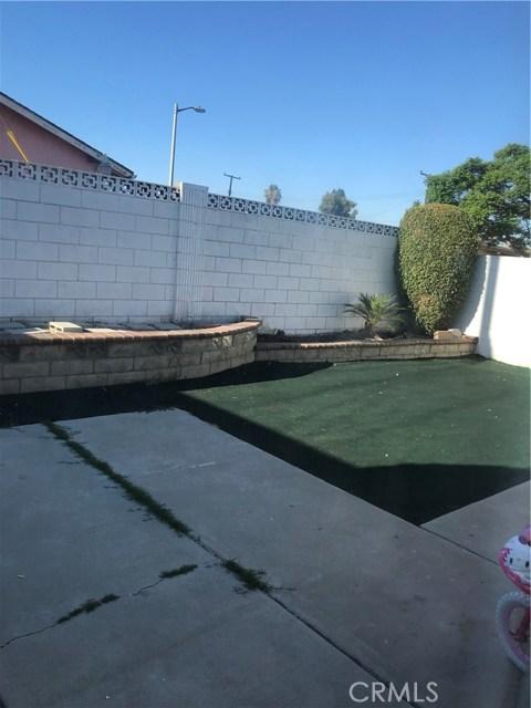 15615 S Lorella Avenue, Gardena CA: http://media.crmls.org/mediascn/b10fee58-6711-4387-8f6f-c73590055226.jpg