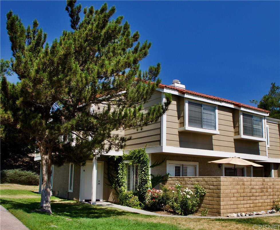 31371 THE OLD Road A, Castaic, CA 91384