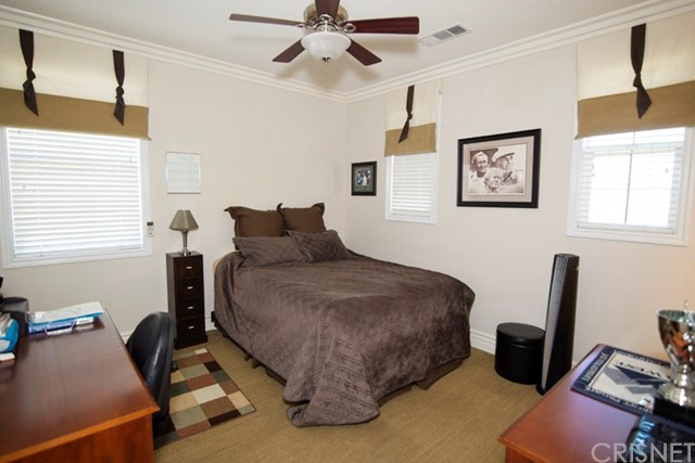 1668 Elliston Court, Simi Valley CA: http://media.crmls.org/mediascn/b1420667-d8f5-4077-8880-b9af15e20541.jpg