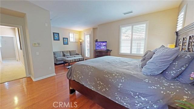 26900 Monterey Avenue, Valencia CA: http://media.crmls.org/mediascn/b1826216-841e-457c-bea0-5a09182b3479.jpg