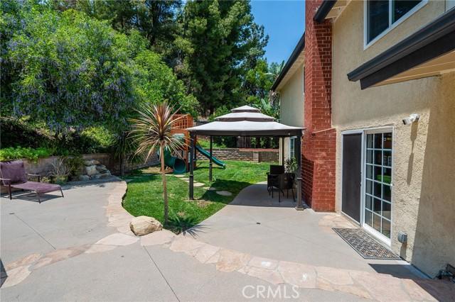 20324 Reaza Place, Woodland Hills CA: http://media.crmls.org/mediascn/b1bf012e-e830-45b2-80ae-19b8e43a6e49.jpg