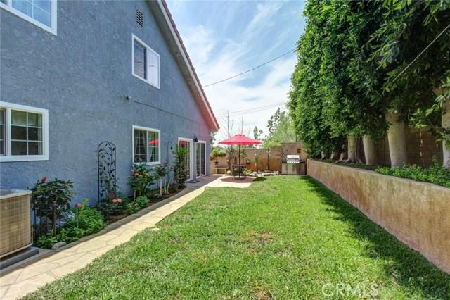 9319 Rowell Avenue, Chatsworth CA: http://media.crmls.org/mediascn/b23a914b-17f9-49e8-8d5e-ec4769a1ec9b.jpg