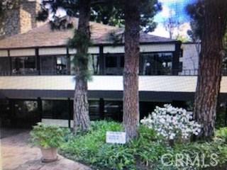 7742 Redlands Street, Playa del Rey CA: http://media.crmls.org/mediascn/b25cb421-b381-4b7c-af75-e27689f57bda.jpg