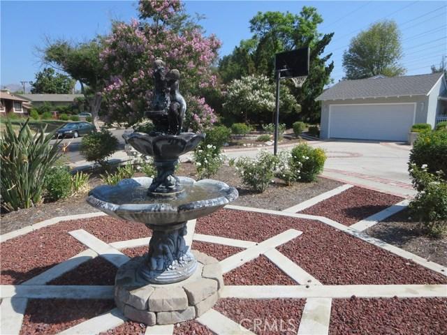 10836 Chimineas Avenue, Porter Ranch CA: http://media.crmls.org/mediascn/b2a6bde3-e531-4881-ba27-bdb20034f997.jpg