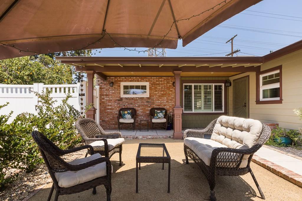 17233 Simonds Street, Granada Hills CA: http://media.crmls.org/mediascn/b2adbf53-bbd4-47b6-b31a-a575a32464b3.jpg