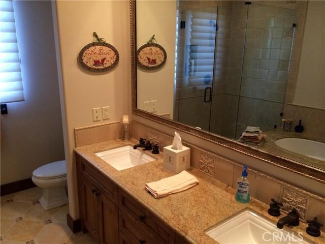 25854 Shady Oak Lane, Valencia CA: http://media.crmls.org/mediascn/b2c2317d-0a1d-469d-82c3-e34c5bbfaed7.jpg