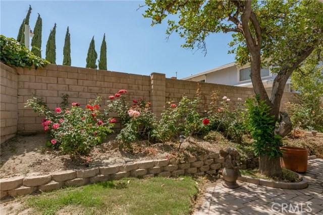 13225 Whistler Avenue, Granada Hills CA: http://media.crmls.org/mediascn/b2fb409f-cdf9-4af2-8e00-576d6943599e.jpg