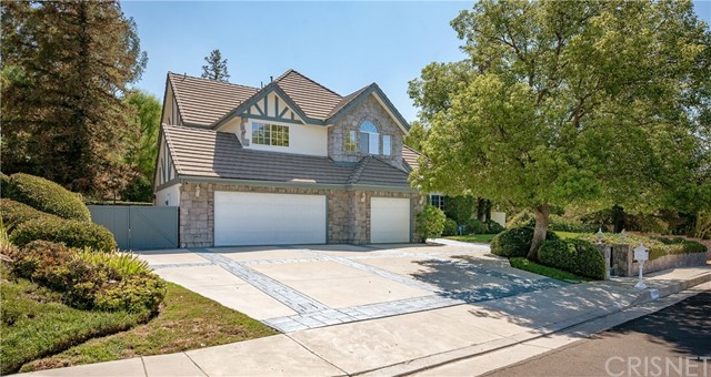 11900 Andasol Avenue, Granada Hills CA: http://media.crmls.org/mediascn/b31f7c30-bd88-4ae8-b12b-368a9d478e2d.jpg