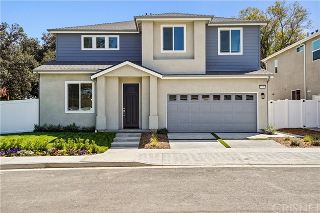 Detail Gallery Image 1 of 22 For 17302 Lemay St, Lake Balboa,  CA 91406 - 5 Beds | 4 Baths