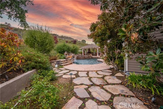 1495 Cheviot Hills Court, Westlake Village CA: http://media.crmls.org/mediascn/b33a9782-0e2a-440c-8be5-9de61f56d83f.jpg