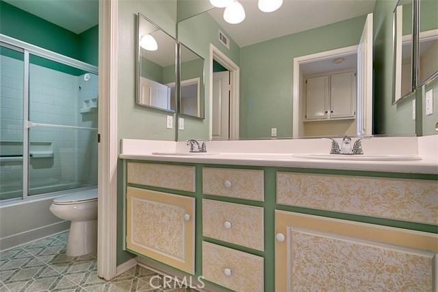 26061 Salinger Lane, Stevenson Ranch CA: http://media.crmls.org/mediascn/b34bb9c0-b35a-4754-aa89-990ca9783596.jpg